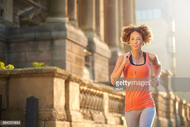 sunrise fitness run - liverpool training stock pictures, royalty-free photos & images