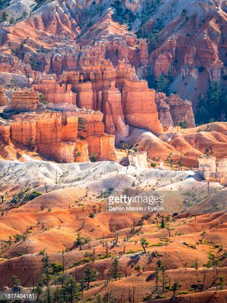 sunrise in bryce canyon - escarpment stock pictures, royalty-free photos & images