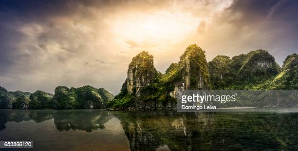 sunrise in Ha Long Bay