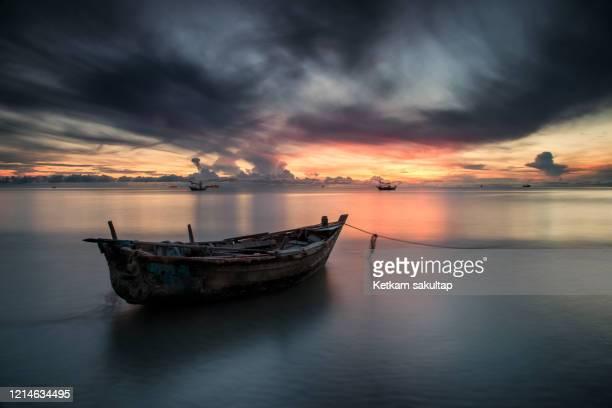 sunrise in hua hin, prachuabkirikhan, thailand. - インド洋 ストックフォトと画像