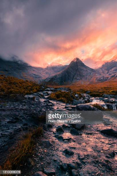 sunrise in isle of skye - western isles stock pictures, royalty-free photos & images