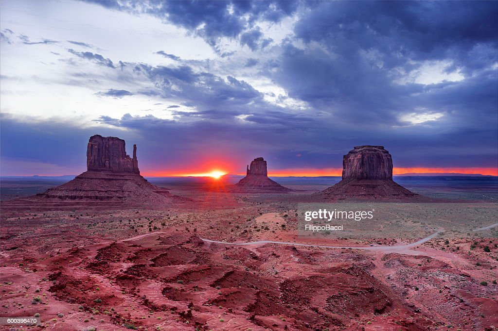 Sunrise in Monument Valley : Stock Photo