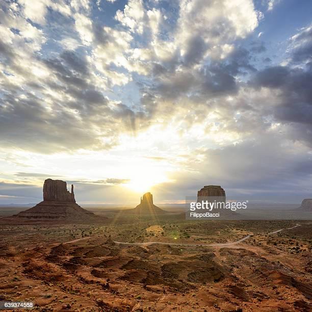Lever du soleil de Monument Valley
