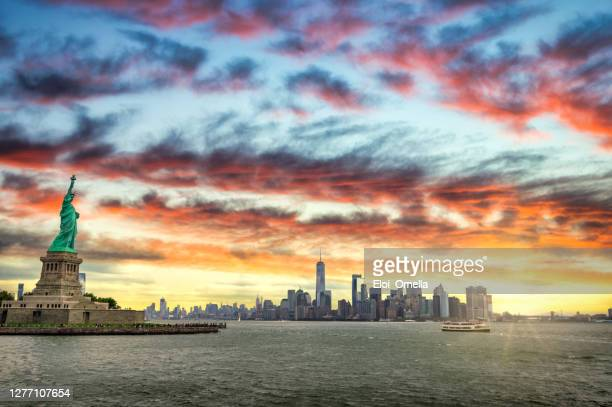 sunrise in ney york city - new york state stock pictures, royalty-free photos & images