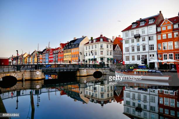 sunrise in nyhavn, copenhagen - copenhagen stock pictures, royalty-free photos & images
