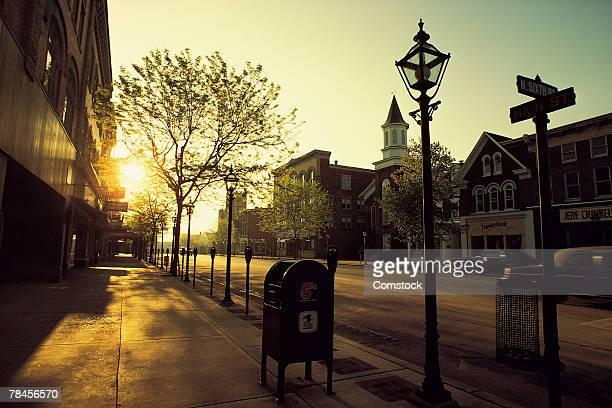 sunrise in small town - localidad pequeña fotografías e imágenes de stock