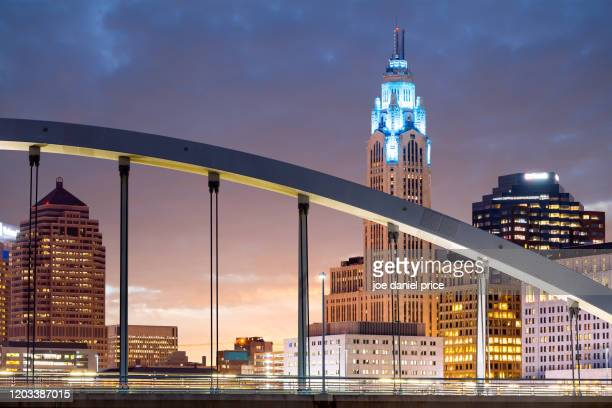 sunrise, main street bridge, columbus, ohio, america - columbus ohio stock pictures, royalty-free photos & images