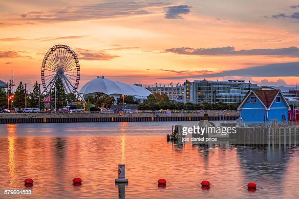 sunrise, navy pier, chicago, illinois, america - navy pier stock pictures, royalty-free photos & images