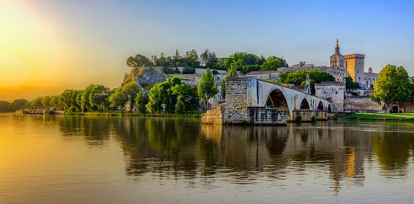 Sunrise of Avignon Bridge with Popes Palace, Pont Saint-Benezet, Provence, France 927065972