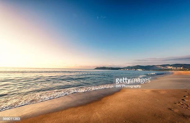 sunrise of haitang bay - hainan island stock pictures, royalty-free photos & images