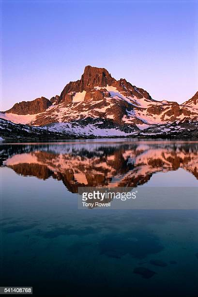 sunrise on banner peak at thousand island lake, ansel adams wilderness, california - john muir trail stock photos and pictures