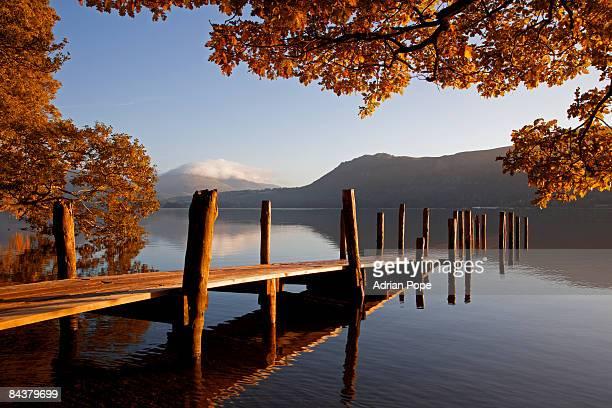 sunrise on derwentwater, lake district - derwent water - fotografias e filmes do acervo