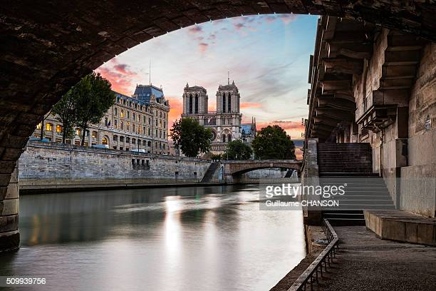 Sunrise on Notre-Dame from the 'quai des Grands Augustins' in Paris, France