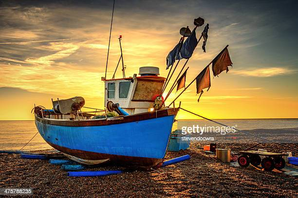 sunrise on the east coast at aldeburgh, suffolk - aldeburgh stock photos and pictures