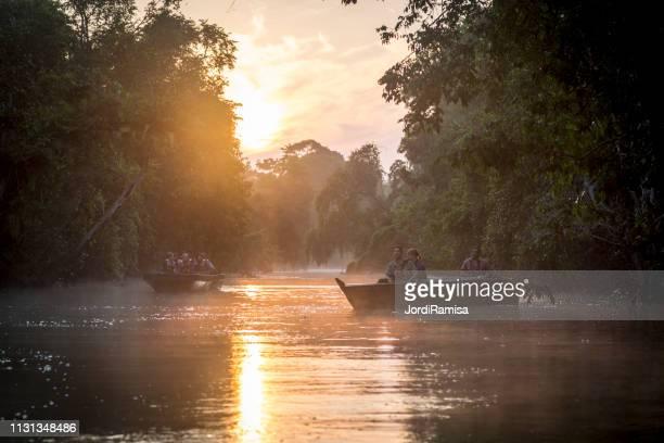 Amanecer en el río Kinatangan