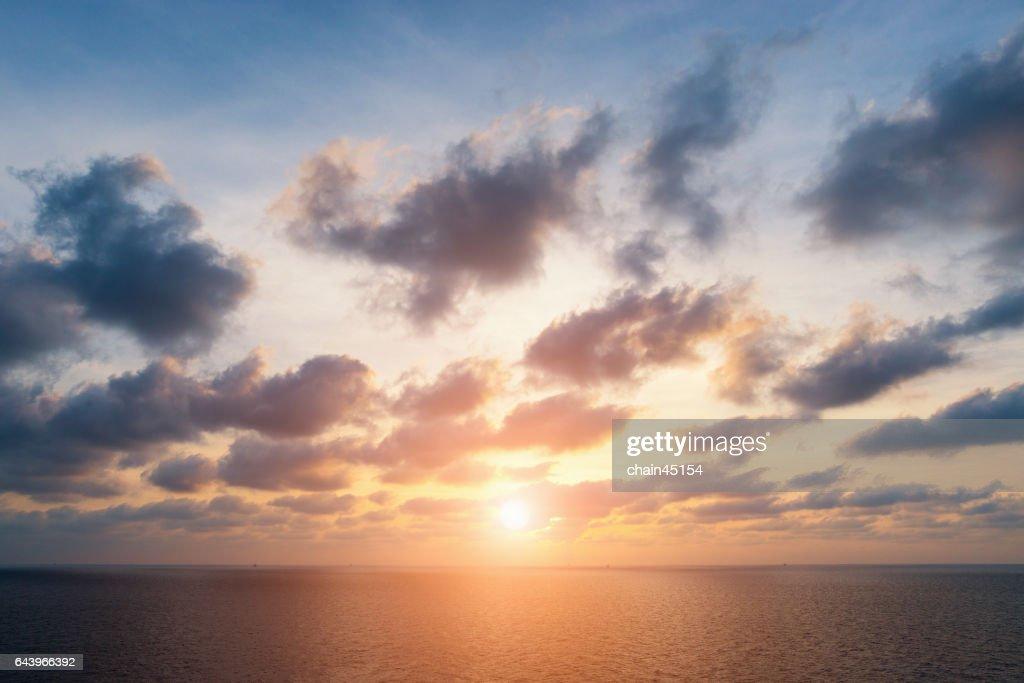 sunrise on the sea : Stock-Foto