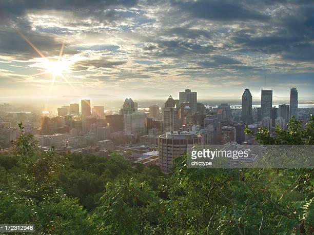 sunrise over downtown - montréal stock pictures, royalty-free photos & images