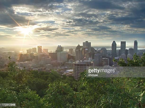 Lever de soleil sur le centre-ville