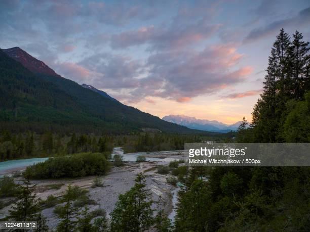 sunrise over isar river, krun, bavaria, germany - krün stock-fotos und bilder