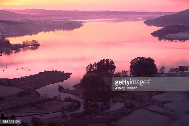 sunrise over lake windermere from todd crag above ambleside, lake district, uk. - lake windermere stock pictures, royalty-free photos & images
