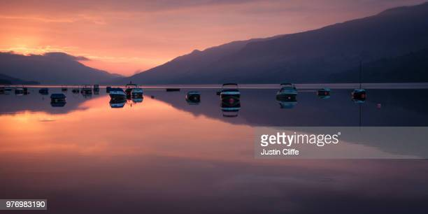 sunrise over loch earn, scotland - justin cliffe stock pictures, royalty-free photos & images