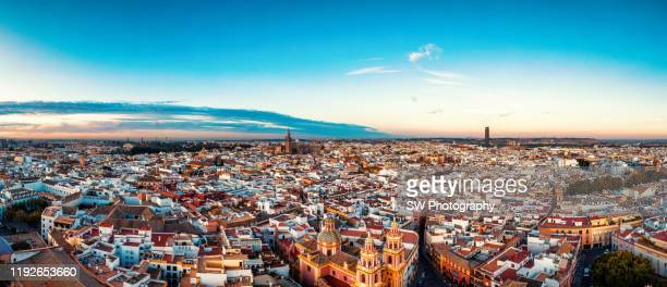 sunrise panorama view of the seville old town cityscape - sevilla fotografías e imágenes de stock
