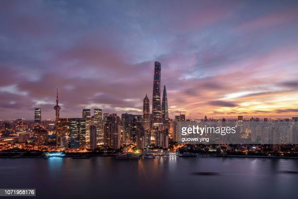 sunrise shanghai - lujiazui stock pictures, royalty-free photos & images