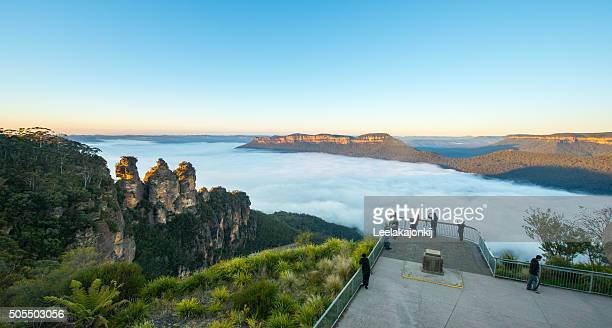 Sunrise Three sisters Blue Mountains national park.