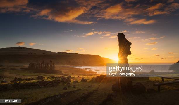 sunrise with moai - unesco world heritage site stock pictures, royalty-free photos & images