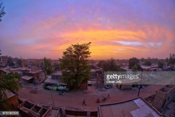 sunset africa 02 - ブルキナファソ ストックフォトと画像