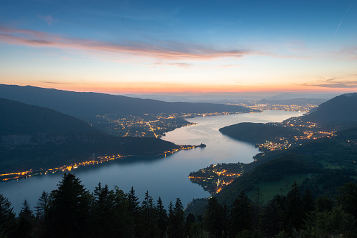 """Sunset and blue hour in the """"Lac d'Annecy"""" - gettyimageskorea"""