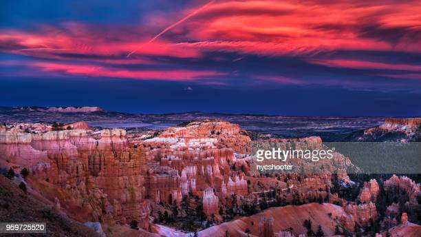 sunset at bryce canyon national park - bryce canyon stock pictures, royalty-free photos & images