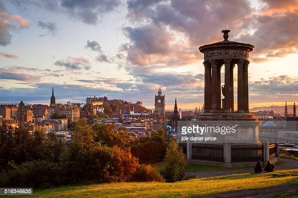 sunset at calton hill, edinburgh, scotland - エディンバラ ストックフォトと画像