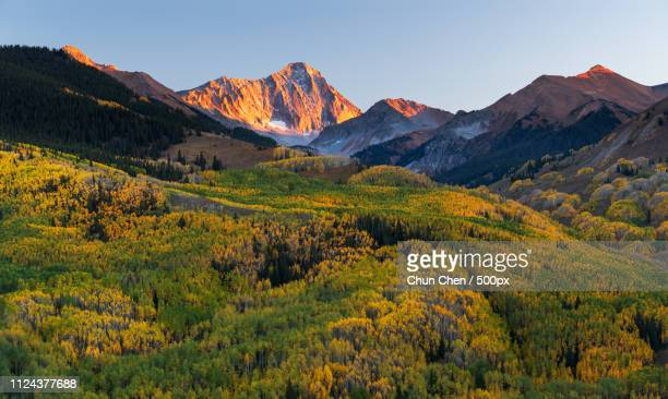 sunset at capital peak - aspen colorado stock pictures, royalty-free photos & images