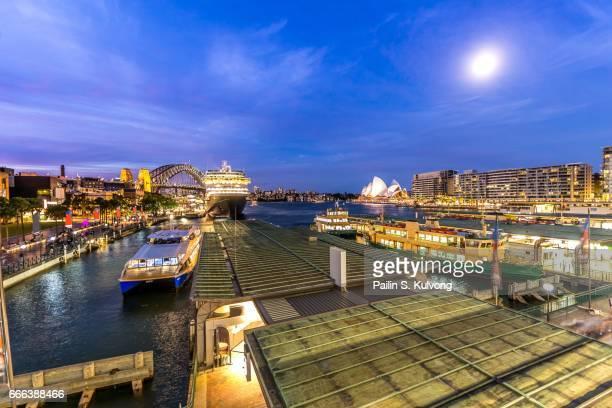sunset at circular quay, sydney ,new south wales, australia - ダーリング港 ストックフォトと画像