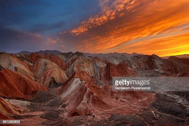 sunset at danxia landform - 丹霞地形 ストックフォトと画像