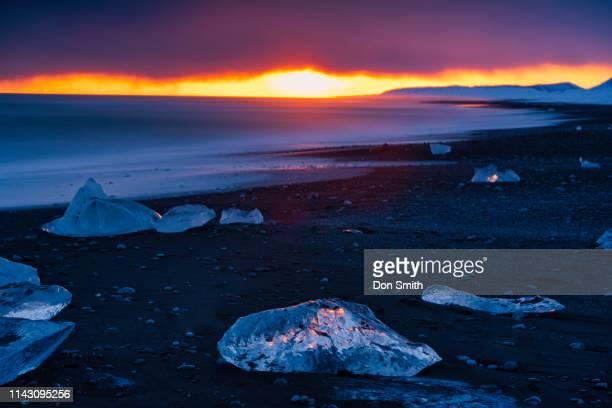 sunset at diamond beach, iceland - don smith imagens e fotografias de stock