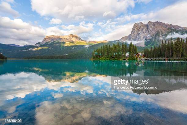 sunset at emerald lake, yoho national park, british columbia, canada - canadian rockies stock pictures, royalty-free photos & images
