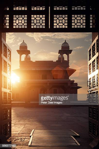 sunset at fatehpur sikri - fatehpur sikri stock pictures, royalty-free photos & images