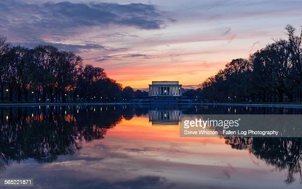 sunset at lincoln memorial - reflection pool stock pictures, royalty-free photos & images