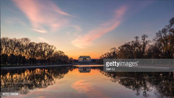 sunset at lincoln memorial - reflecting pool stock pictures, royalty-free photos & images