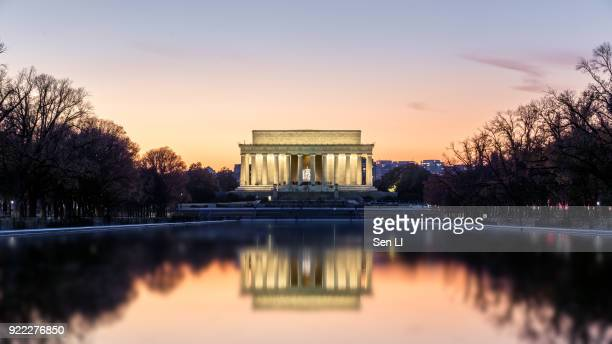 sunset at lincoln memorial - lincoln memorial stock pictures, royalty-free photos & images