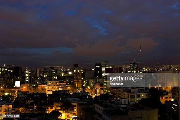 Coucher de soleil sur la ville de mexico