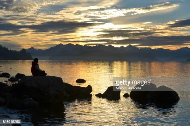 sunset at nahuel huapi lake, patagonia argentina - radicella photos et images de collection