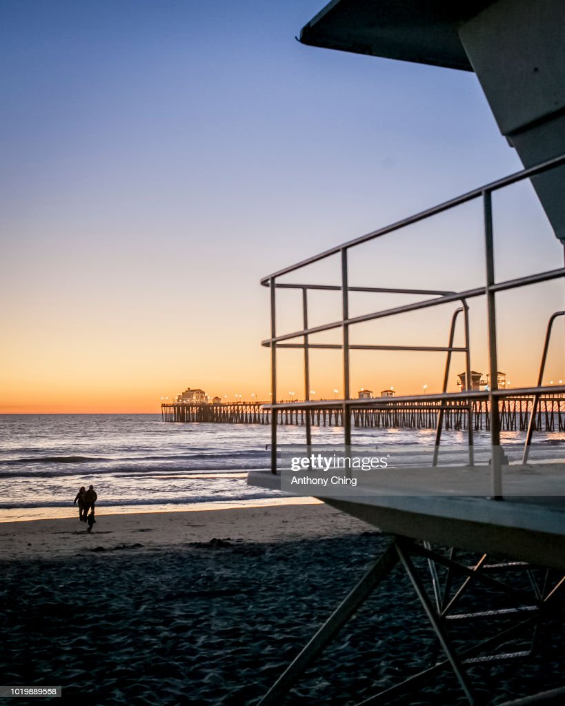 sunset at oceanside pier ストックフォト getty images
