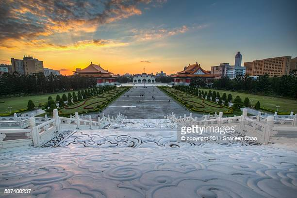 sunset at plaza of freedom - freedom plaza stock pictures, royalty-free photos & images