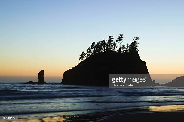 sunset at rialto beach in olympic national park, washington - rialto beach stock photos and pictures