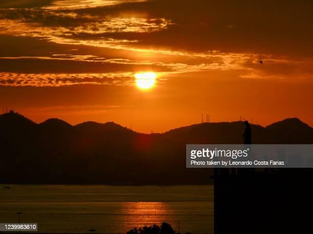 sunset at rio - leonardo costa farias - fotografias e filmes do acervo