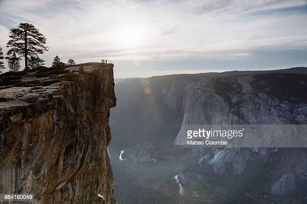 sunset at taft point, yosemite, usa - yosemite nationalpark stock pictures, royalty-free photos & images