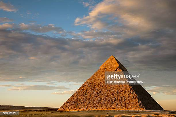 sunset at the chephren pyramid, giza, cairo, egypt - giza pyramids stock pictures, royalty-free photos & images